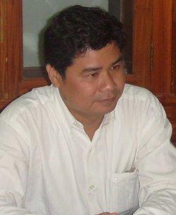 Mr. Peou Da, Division Director of CAMKAA